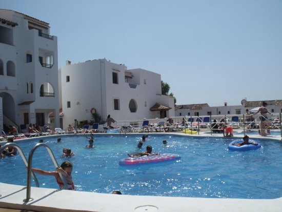 Holiday Park Apartments: The Swimming Pool