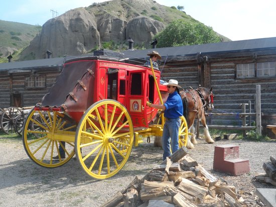 Fort Whoop-Up Trading Post Museum: Stagecoach