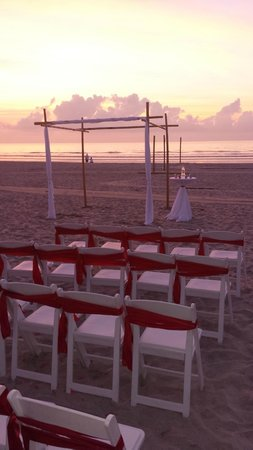 International Palms Resort & Conference Center Cocoa Beach : Beautiful set-up!