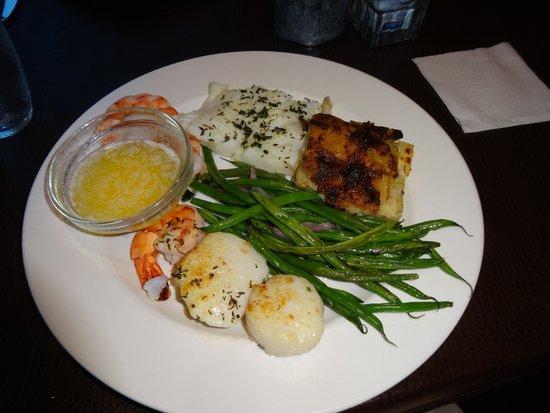 Fish Urban Dining: Seafood Medley