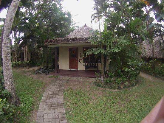 Outrigger Fiji Beach Resort: Room