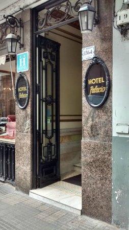 Hotel Palacio: Entrada do antigo prédio.