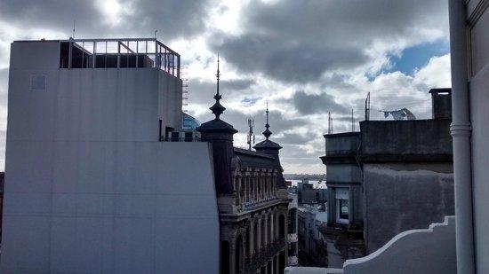 Hotel Palacio: Visão da orla, direção do porto.