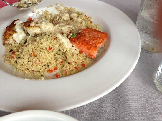 Fresh Catch Cafe : Halibut/salmon duo
