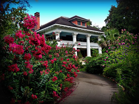 Herlong Mansion Bed and Breakfast Inn照片