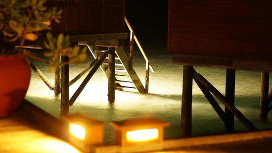 Meeru Island Resort & Spa : Outside JWV