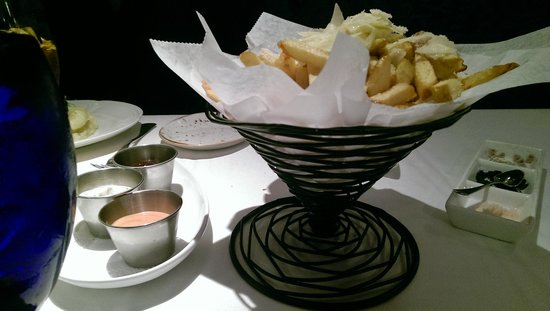 Sea Salt: White truffle fries & 3 sauces