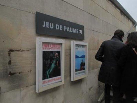 Jeu de Paume: 企画展のポスター