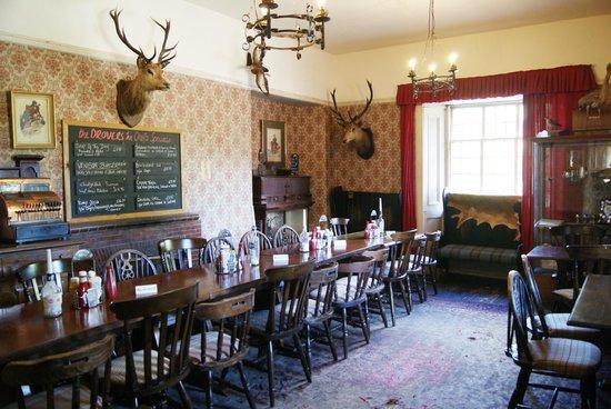 The Drovers Inn: Sala da pranzo del pub