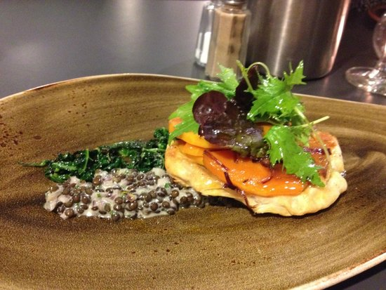 Linen Hill Kitchen & Deli: Feast for the eyes as much as the mouth