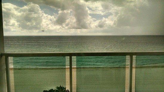 Deauville Beach Resort: Vista desde la habitacion