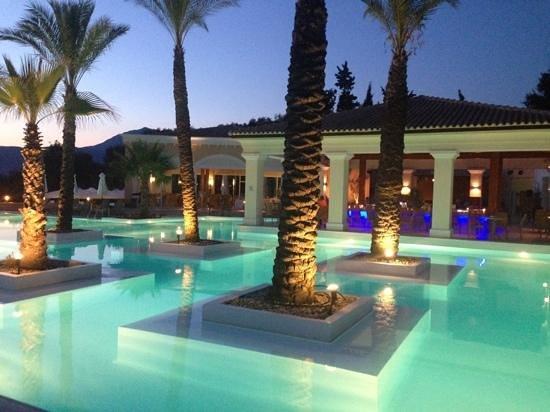 Grecotel Eva Palace: pool bar