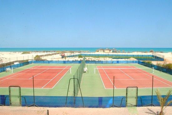 SENTIDO Cesar Thalasso: terrain tennis