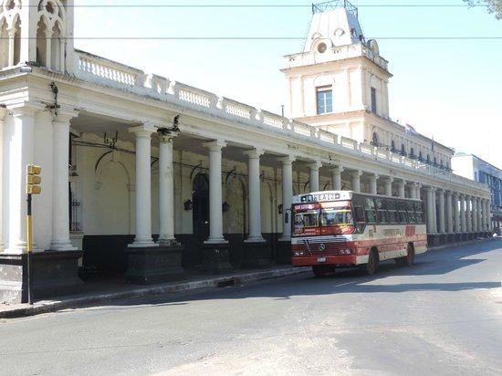 Museo de la Estacion Central del Ferrocarril Carlos Antonio Lopez : Vista externa.