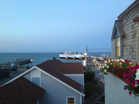 Martha's Vineyard Surfside Hotel : View from third floor/ocean view