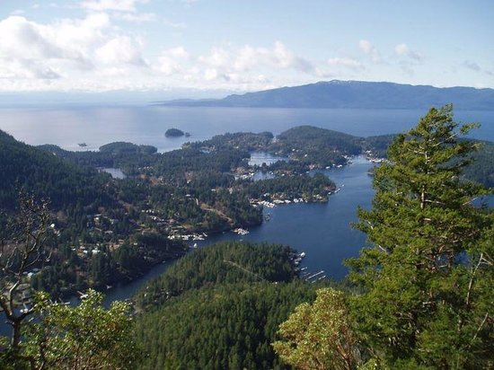 Sunshine Coast, Canada: The view over Madeira Park, its many islands with Texada Island in the far background.