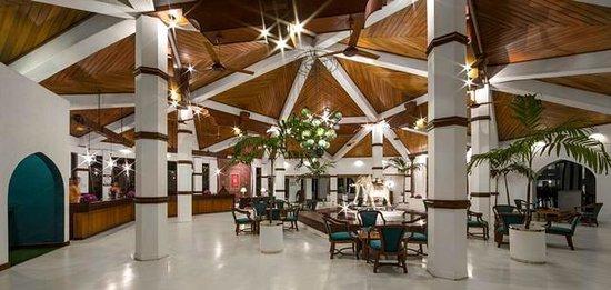 Tangerine Beach Hotel: Hotel Lobby