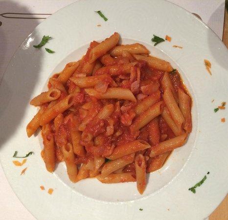 Il Pizzaiolo : Pennette a matriciana