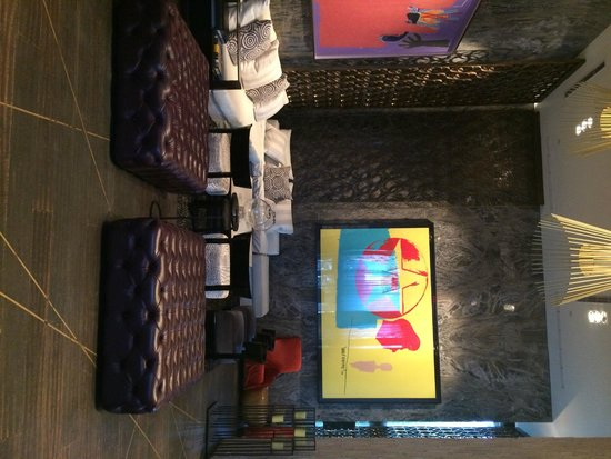 W South Beach Living Room Bar