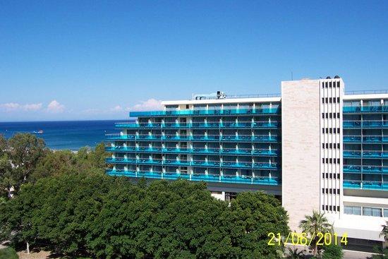 Hotel Calypso : Blaue Sonnenschutzverglasung