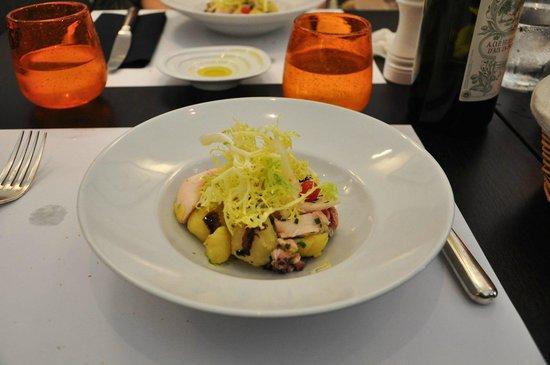 Le Séjour Café : Octopus salad.
