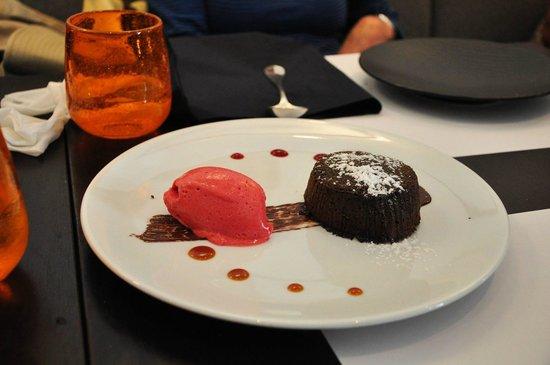Le Séjour Café : Chocolate fondant.