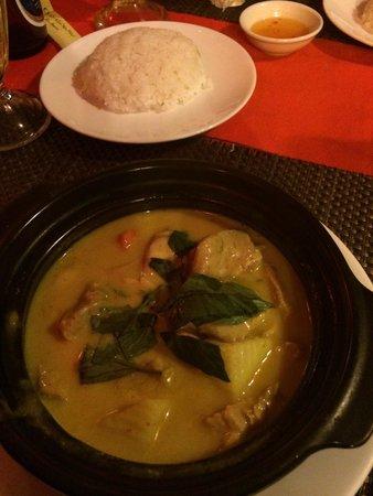 Yen's Restaurant: Chicken curry divino