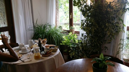 Posada Las Espedillas: Salón de desayuno