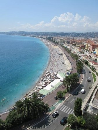Promenade des Anglais: the promenade a lovely place to be