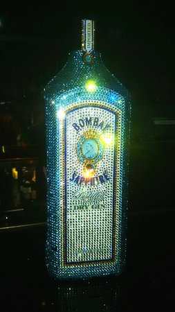 Ray's Bar: 30K AED Gin