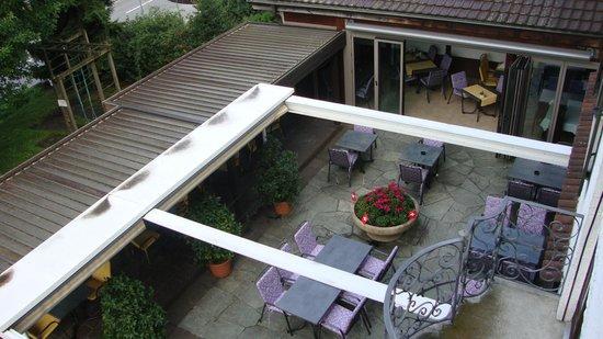 Hotel Restaurant Chartreuse: vom Hotelzimmer auf die Terrasse
