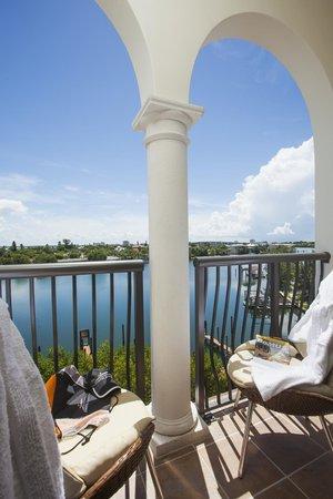 The Kimpton Hotel Zamora: Waterview room balcony