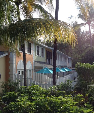 Sunrise Beach Clubs and Villas: Exterior View of Suites