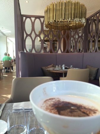 Renaissance Aix-en-Provence Hotel : Capuccino in the Dining Room.