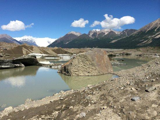 St. Elias Alpine Guides: Kennicott Glacier Pool kayaking