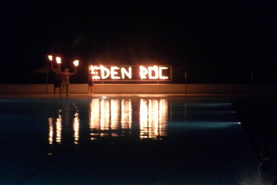 Eden Roc Resort Hotel & Bungalows : Fire Show by Animation Team