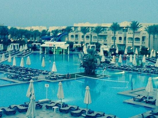 Rixos Sharm El Sheikh: oasis pool