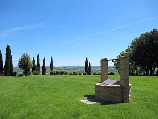 Borgo Finocchieto: view from the Borgo toward the pool