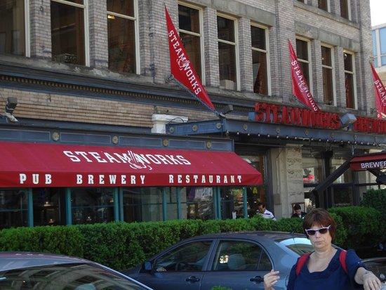 Steamworks Brewing Company: Brasserie Restaurant Steamworks Vancouver