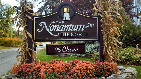 Nonantum Resort: The sign