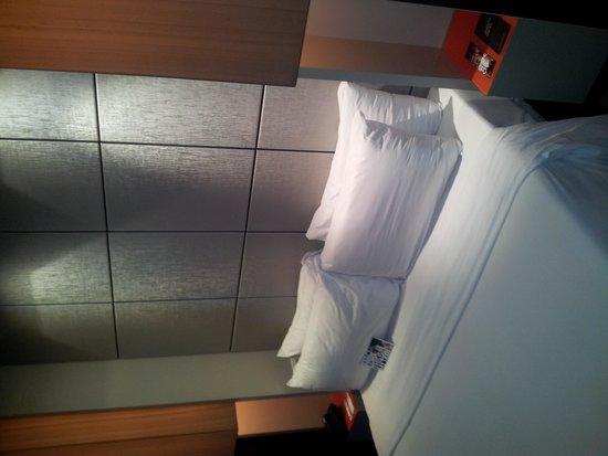 TRYP Barcelona Condal Mar: Bedroom