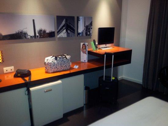 Hotel Barcelona Condal Mar By Melia: Bedroom