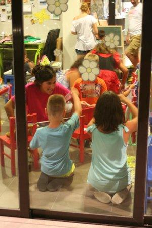 Hotel Papi: De kleintjes hebben het maar druk mee