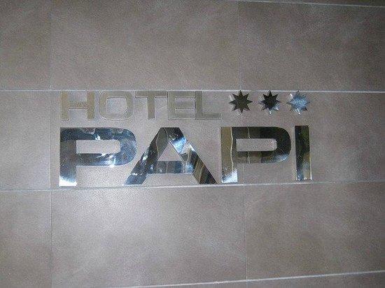 Hotel Papi: Ingang van het hotel