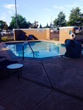 Fairfield Inn & Suites Rancho Cordova: Pool