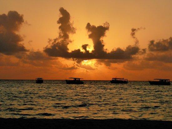 Club Med Kani: sunset