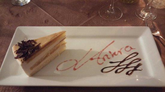 L-Ankra Restaurant: Torta freschissima e delicatissima