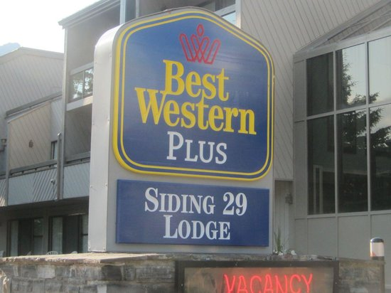 Best Western Plus Siding 29 Lodge: The sign