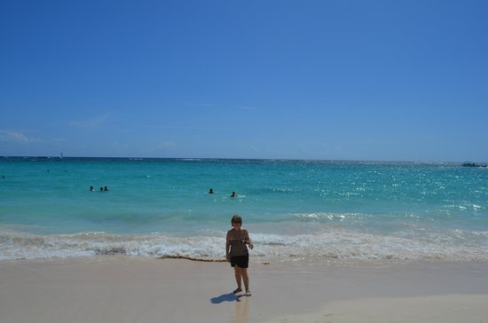 Hotel Riu Palace Punta Cana: mar  turquesa,playa limpia