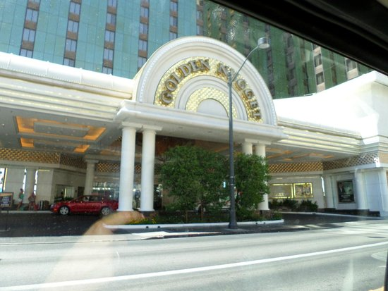 Golden Nugget Hotel: Main entrence